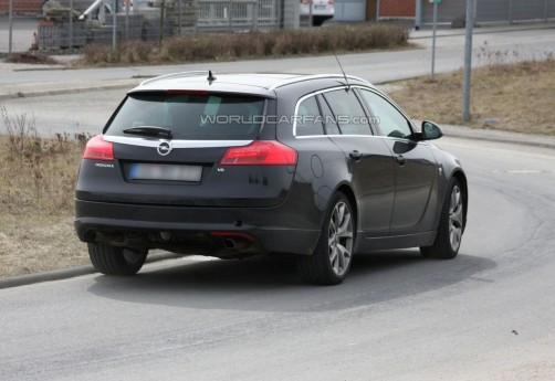 opel-insignia-opc-sport-tourer-spy-photo_1