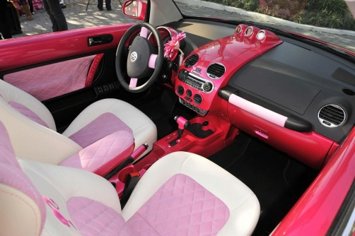pink-barbie-new-beetle-convertible_1