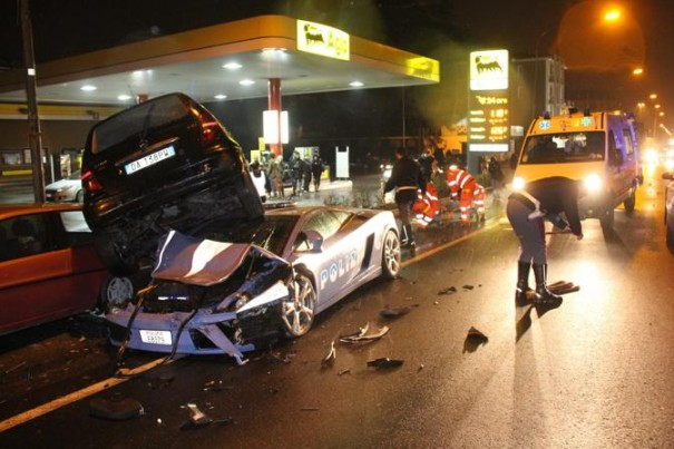 accidente lamborghini policia italiana