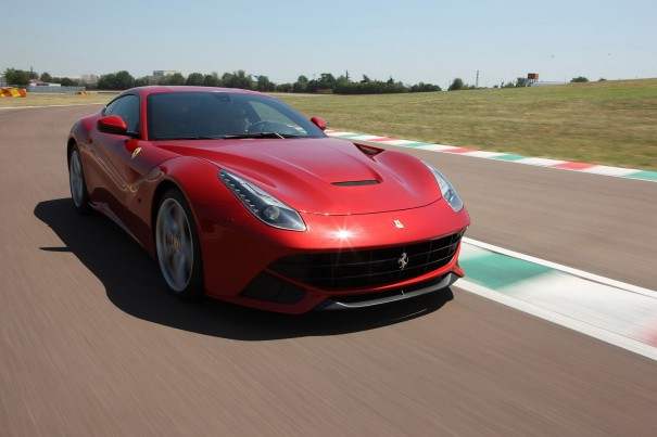 Ferrari F12berlinetta movimiento